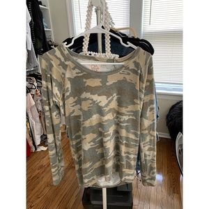 Chasor camo open back sweater